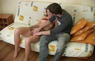 ホテルの部屋に隠されたカメラは、裸の女の子を撃った。 無料 エッチ な 女