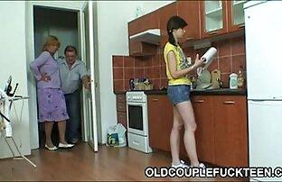 黒の義理の息子は、ふしだらなお母さんのお尻にそれを押し込みます。 エロ 動画 女性 向け アニメ