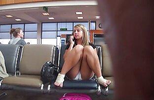 酔っ払った女の子は警官のオフィスで吸う。 せっくす 動画 女性