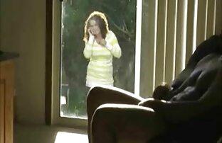 男は肛門からガールフレンドを舐め、猫で自慰行為をする。 女性 h 動画