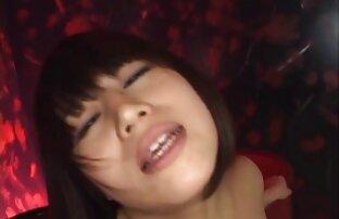 痩せたアジアの女性は、小さな陰茎を密封しました。 女性 向け エッチ な 動画