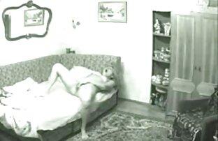 フィットネスニンフは男の肉を吸って食べられます。 女の子 向け の エロ 動画