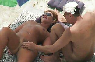女の子はオナニーで休暇を始める。 セックス 女性 無料 動画