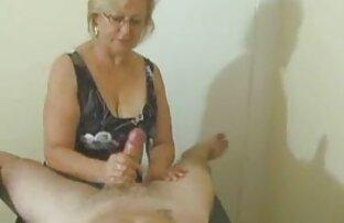 美しい女の子のためのクリスマスの朝に繊細なクンニリングス セックス 女性 無料