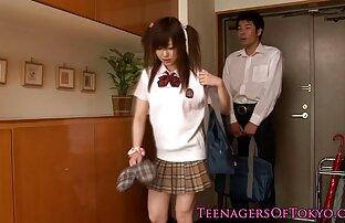 日本の女の子はディルドの上に座って、彼女の口の中で先端でグループフェラを与えます。 セックス 動画 女性 向け 無料