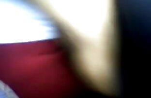 ストッキングのブルネットは大きなペニスを吸ってピンクの膣に入れます。 鈴木 一徹 と エッチ