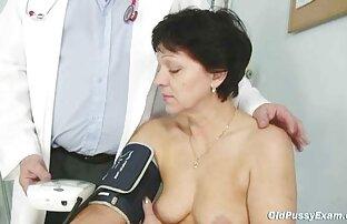 ロシアの金髪女性fondlingかき穴の湖の指 エロ 動画 女子